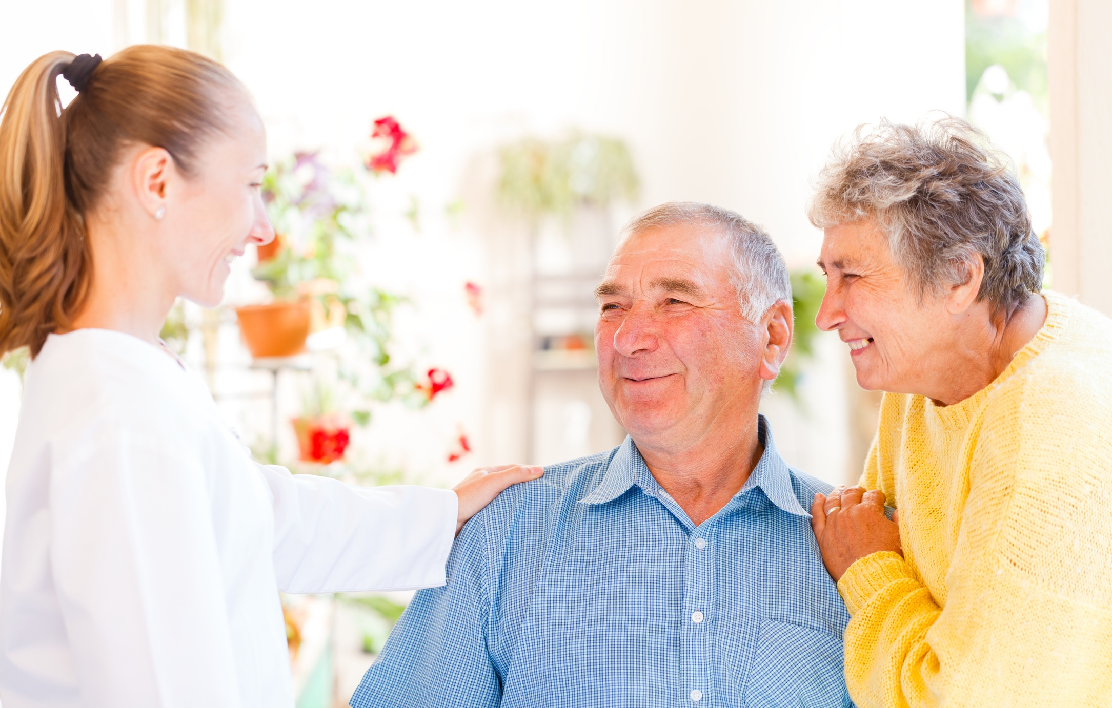 5 Considerations When Choosing in home care vs Assisted Living