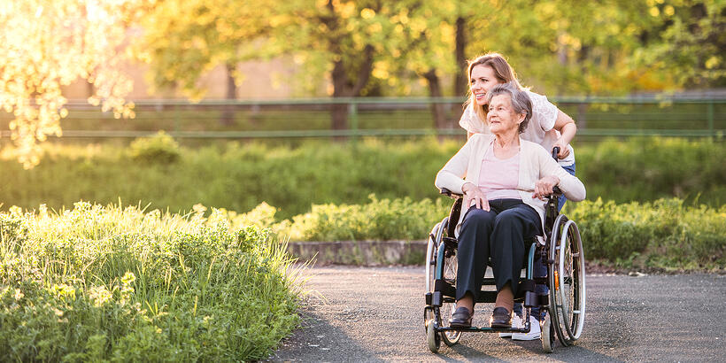 5 Memory Loss Person-centered Care Tips for Coping with Sundowning
