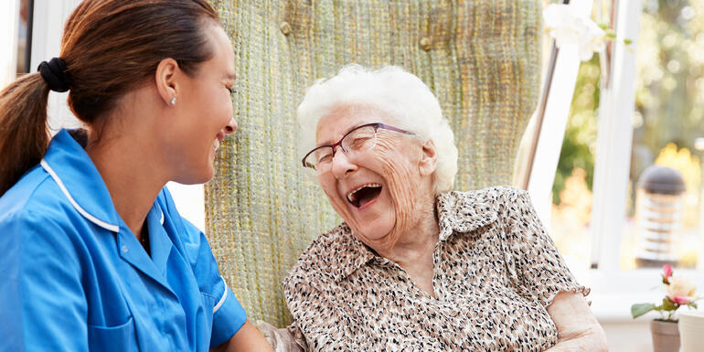 9 Signs a Memory Care Community Offers Person-centered Care