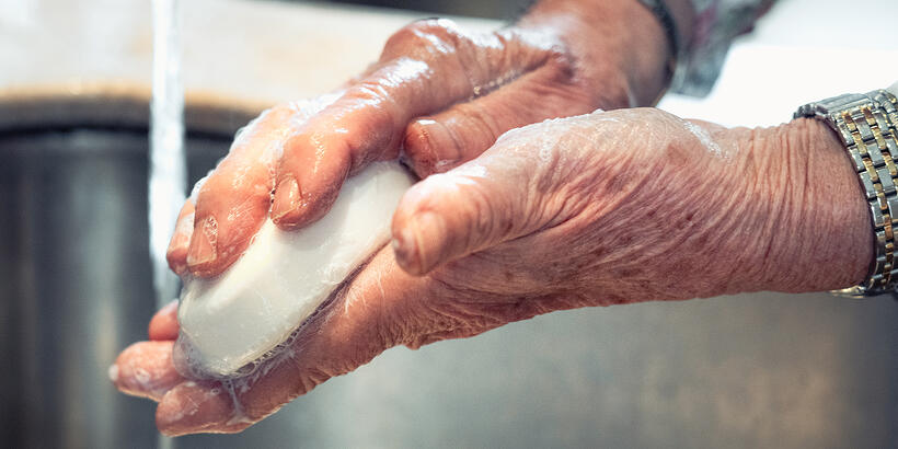 Common Hygiene Challenges for Seniors and 23 Tips for Helping